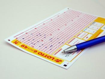 Lottoschein mit sechs Richtigen